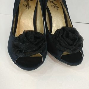 Seychelles Shoes - Seychelles conical heel peep toes size 9